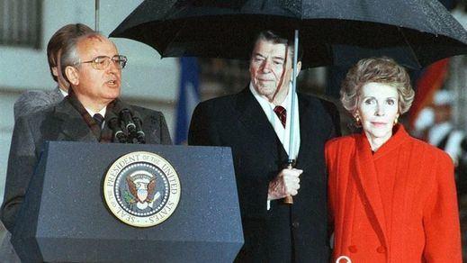 Muere Nancy Reagan, una primera dama que también ejercía el poder