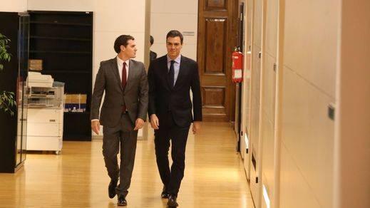 El PSOE incluye por primera vez al PP en la mesa negociadora