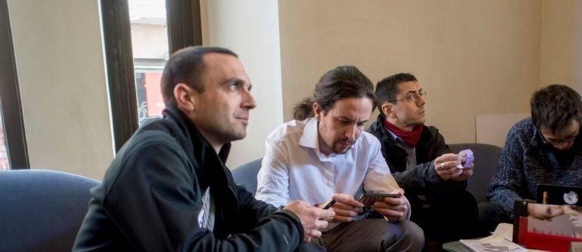 El secretario general de Podemos en la Comunidad de Madrid, Luis Alegre, junto a Pablo Iglesias y Juan Carlos Monedero