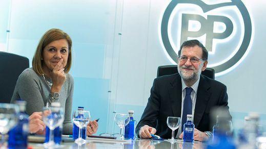 Los abrazos a Rajoy dan calor a un líder del PP cada vez más en entredicho para intentar ser presidente