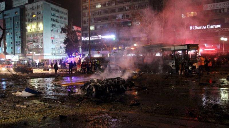 Imagen de la devastadora explosión en Ankara.