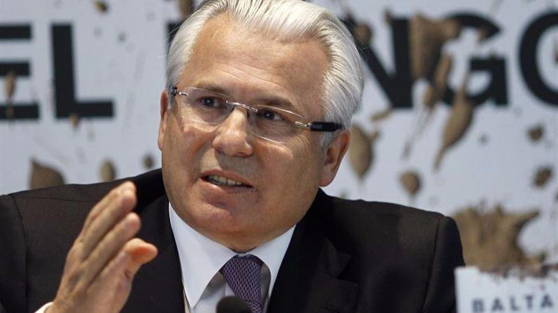 Baltasar Garzón recoge firmas para que el Congreso investigue los crímenes del franquismo