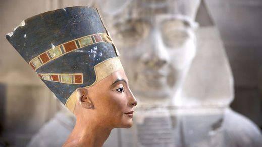 Nefertiti podría estar metida en el 'armario' secreto de Tutankamón