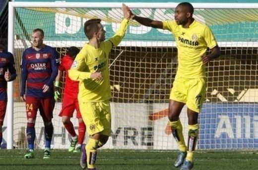 El Barcelona se relaja y tropieza en El Madrigal dejándose empatar (2-2)