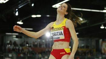 A la 'vejez'... ¡más medallas!: Ruth Beitia, plata en los Mundiales de Pista Cubierta