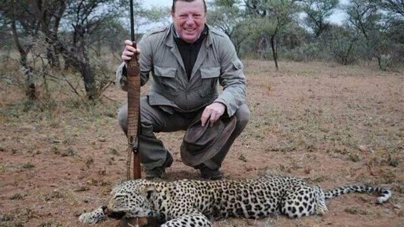 César Cadaval de cacería en un safari de Sudáfrica