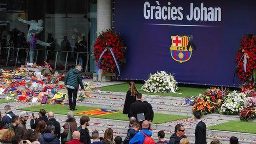 'Gràcies Johan' y el dorsal '14', el mosaico del Camp Nou para el Clásico del sábado