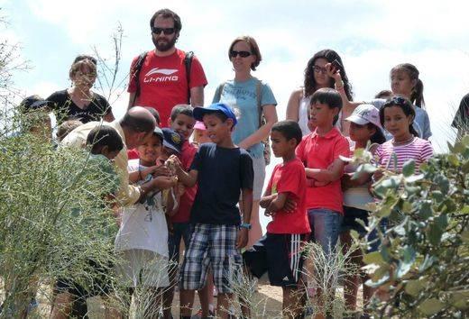 El Ayuntamiento de Madrid vuelve a dar ayudas económicas al programa para traer y cuidar en el verano a niños saharauis