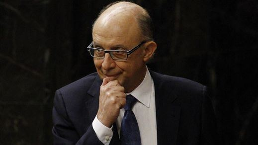 Montoro rebaja ahora el déficit de 2015 al 5%, aunque lejos de lo prometido a Bruselas