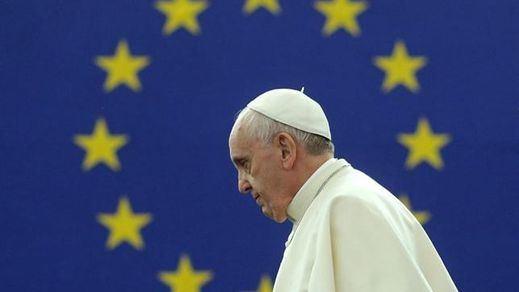 El Papa sacude a todos los líderes políticos y visitará a los refugiados en Lesbos