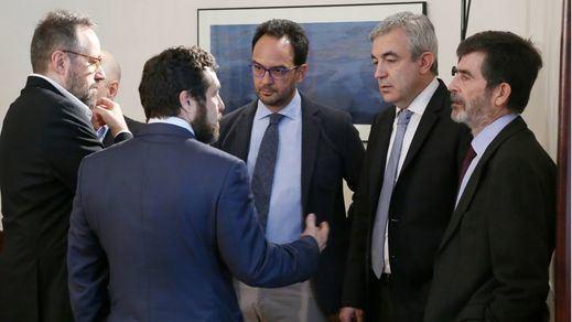 Ciudadanos se aferra a su acuerdo previo con el PSOE y bloquea las propuestas de Podemos