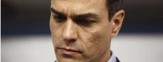 Crece la frustración en el PSOE con un equipo negociador sorprendido de nuevo por otra treta de Iglesias