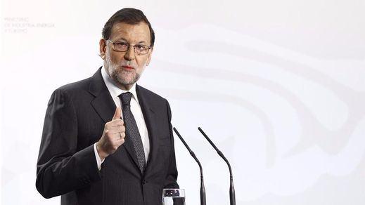 Rajoy sigue retocando los horarios: insiste a las cadenas de TV, que no le escucharon, avanzar los 'prime time'