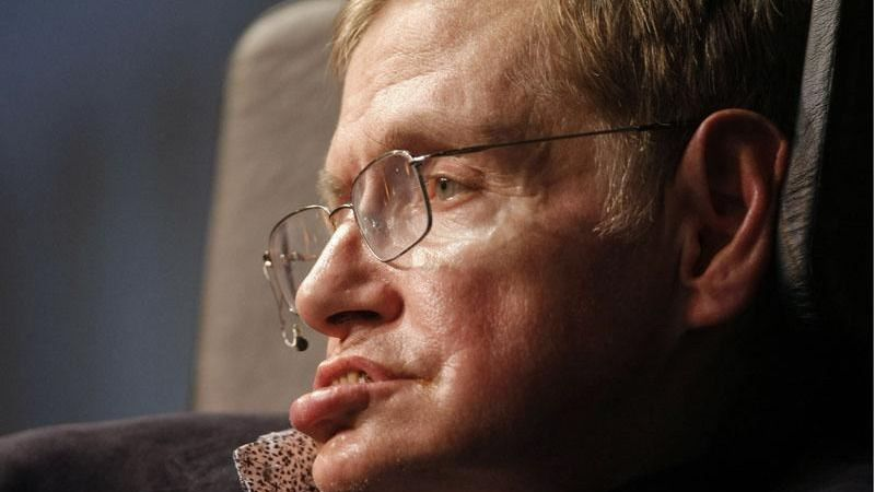 'Si queremos sobrevivir como especie, debemos extendernos hacia las estrellas', dice Stephen Hawking