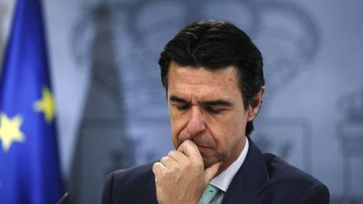 'Papeles de Panamá': la firma del ministro Soria, el 'error' que le vincula con UK Lines Limited