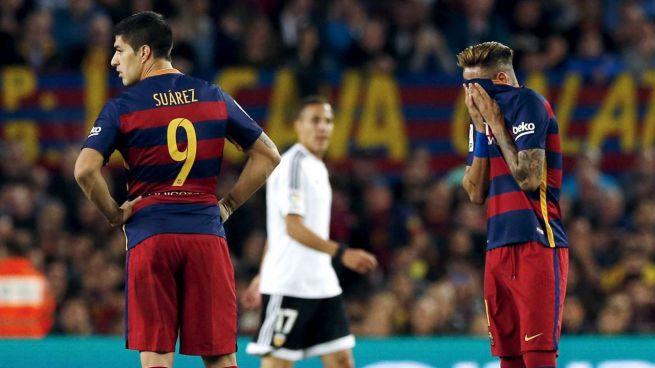 El Valencia apuntilla al Barça y saca a subasta la Liga (1-2)