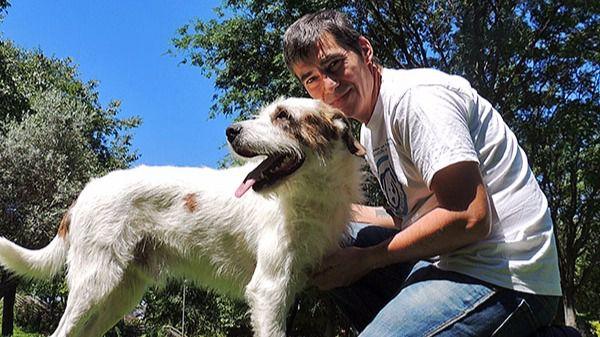 'Santi', educador canino: 'Ojalá tratáramos a los perros como a las personas'