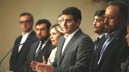 Rivera propone que los líderes den un paso atrás para investir a un independiente