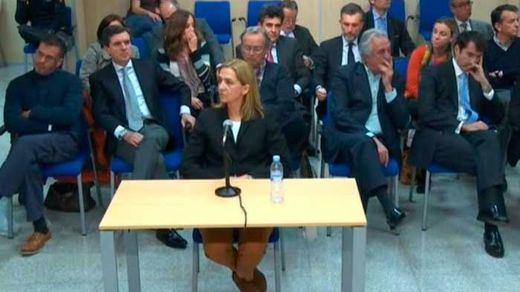 Empieza a caer el castillo de naipes jurídico de Manos Limpias: ¿llegará hasta la infanta Cristina y el caso Nóos?