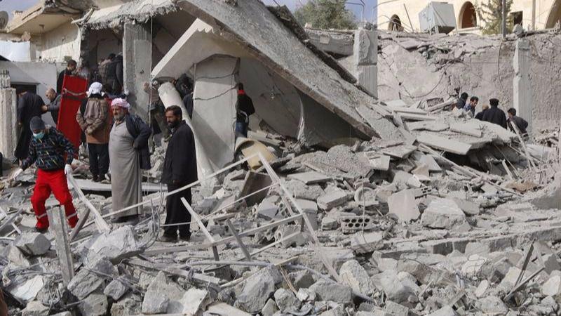 Nuevo crimen de guerra en Siria: los bombardeos acaban con el hospital de Alepo y un centenar de personas