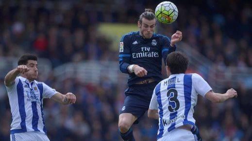 Bale sigue al mando y un golazo suyo en Anoeta mantiene al Madrid en la pelea (0-1)