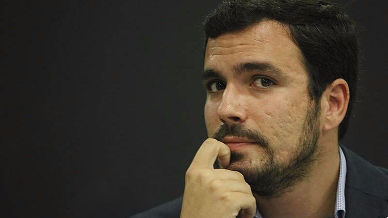Garzón, el político mejor valorado, gusta más a los votantes de Podemos que Iglesias a los de IU
