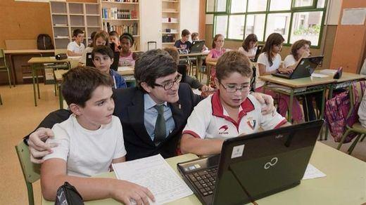 Ocho autonomías del PSOE desafían al ministro de Educación incumpliendo la LOMCE en el examen de 6º de Primaria