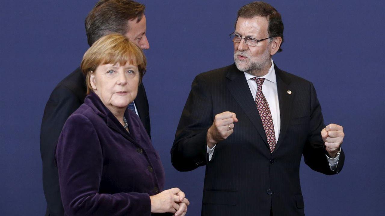 España podría crecer al 4% pero la falta de Gobierno mina la economía, dicen los expertos