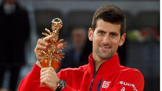Djokovic sabe sufrir ante Murray para coronarse de nuevo en Madrid