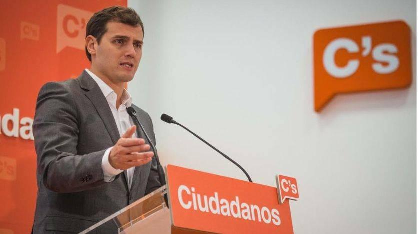 Albert Rivera: 'Si la gran novedad política es el Partido Comunista, apaga y vámonos'