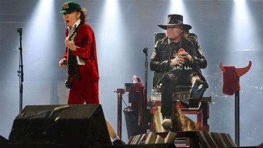 La polémica de las entradas enturbia el concierto de AC/DC en Sevilla con Axl Rose
