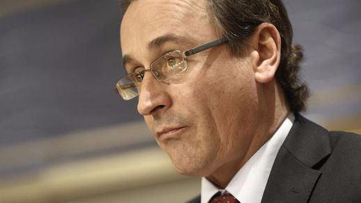 El último escándalo que le explota a Rajoy antes de las elecciones: el ministro Alonso, condenado