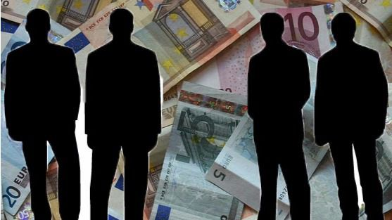 El Tribunal de Cuentas destapa los 'oportunos' ceses de directivos públicos para esquivar la reforma laboral