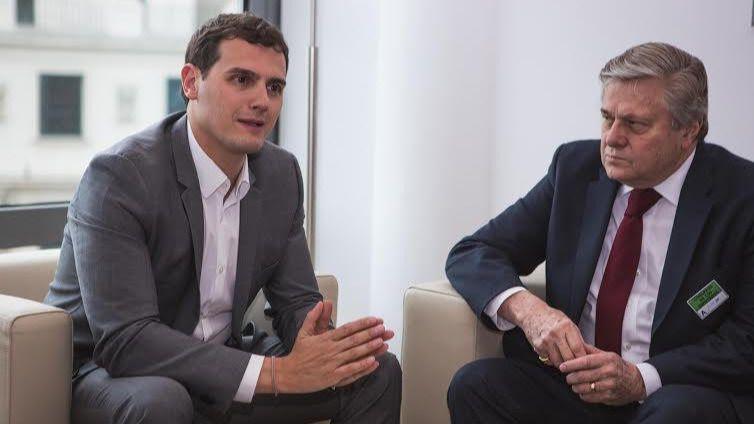 Albert Rivera, reunido con el padre de Leopoldo López en el Congreso