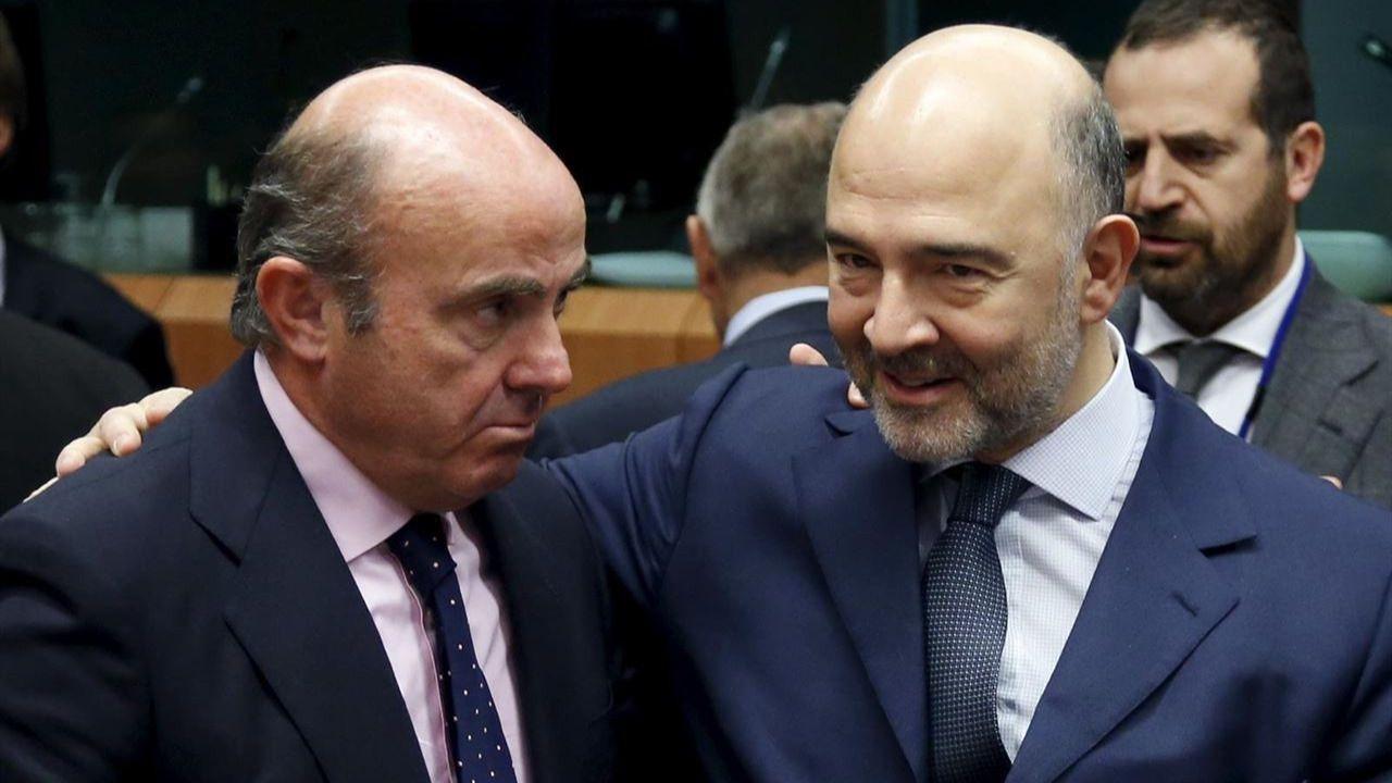 Bruselas nos perdona la vida, de momento, por incumplir el déficit