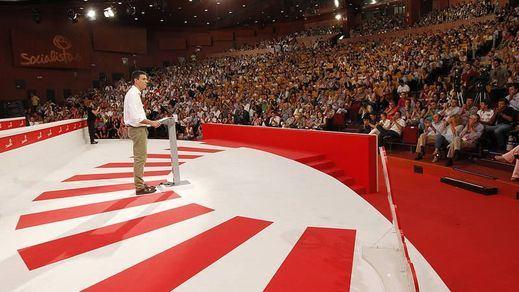 La encuesta de 'El País' estrecha el cerco sobre Sánchez y una candidatura que recuerda a la de Almunia