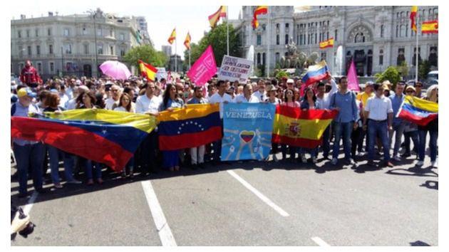 PP y Ciudadanos participan en la manifestación por la libertad en Venezuela