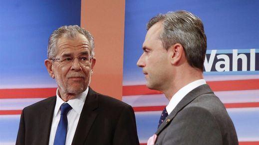 El voto por correo frena a la ultraderecha austriaca y le da la victoria al ecologista Alexander van der Bellen