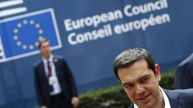 El Eurogrupo permite seguir respirando a Grecia: 10.300 millones en ayudas y m�s tiempo para la deuda