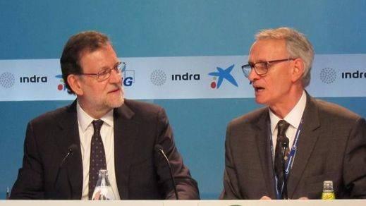 Rajoy descalifica duramente la gestión de Colau y Carmena por