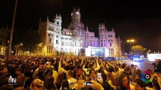 El Real Madrid amanece en Cibeles y brinda la 'Undécima' a la diosa y a miles de aficionados