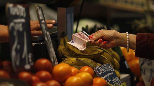 Los precios suben 6 décimas en mayo y permite mejorar la tasa interanual, que sigue en negativa: -1%