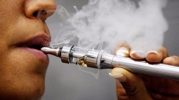 Los cardiólogos españoles ven poco prohibitiva la regulación de cigarrillos electrónicos en la nueva norma europea del Tabaco, ya en vigor
