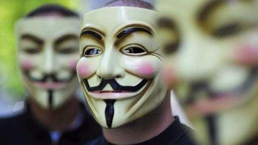 Anonymous protesta contra la 'Ley Mordaza' revelando datos personales de 5.400 policías nacionales