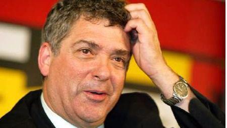 Villar retrasa las elecciones a la Federación y un juez le imputa y llama a declarar