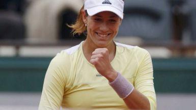 Muguruza arrolla a Stosur y se medirá contra Serena Williams en la final de Roland Garros (6-2 y 6-4)