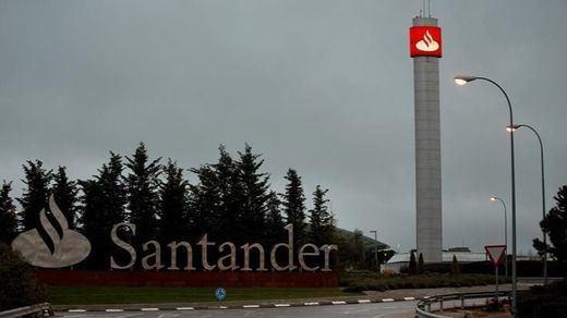 La Guardia Civil registra las oficinas del Banco Santander para pedir datos de cuentas vinculadas a la 'lista Falciani'