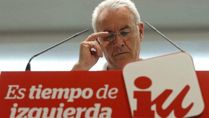 Cayo Lara se despide 'animando' a las bases de IU: 'Me va a costar votar en estas elecciones'