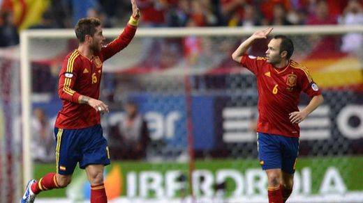 Andrés Iniesta y Sergio Ramos, los futbolistas de La Roja que dominan Instragram