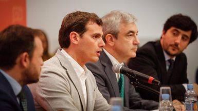 Ciudadanos promete bajar el IRPF en 2018 y maquilla su propuesta de violencia de g�nero